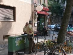 Verkehrsüberwachung mit Geschwindigkeitskontrolle (2008 in der Neufertstraße)