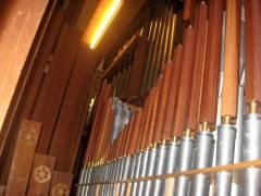Im Innern der Orgel der Auenkirche