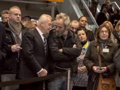 Dr. Rüdiger Grube im Gespräch mit Obdachlosen / Foto © Frank Wecker