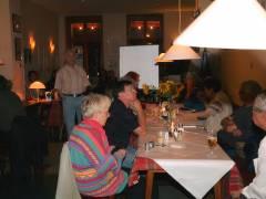 Herr Heinz Wenzel begrüßt die Gäste zur Eröffnung