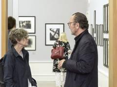 Die Fotografen Sarah Moon und Paolo Roversi in der Helmut Newton Stiftung / Foto © Frank Wecker