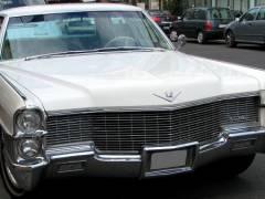 Ein Cadillac in der Wilmersdorfer Straße