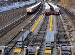 S-Bahn auf der Ringbahn (vom S-Bahnhof Westend kommend - kurz vor der Knobelsdorffbrücke