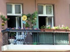 Schmucker Balkon am Klausenerplatz