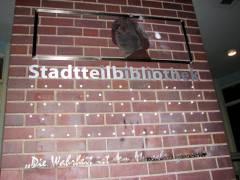 Vandalismus an der Stadtteilbibliothek - Foto von gestern Abend
