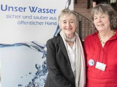 Maude Barlow und die Berliner Wasseraktivistin Dorothea Härlin / Foto © Frank Wecker