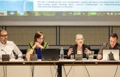 Maude Barlow als Referentin auf dem Forum im Berliner Abgeordnetenhaus / Foto © Frank Wecker