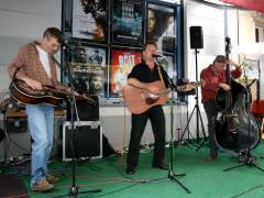 Sommer-Blues-Fest im Kiez - Highwire Hikers