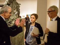 Der Direktor der Gemäldegalerie Bernd Lindemann mit den Kuratoren des Londoner Victoria and Albert Museums / Foto © Frank Wecker