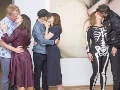 """Performance in der Ausstellung """"Kuss"""" im Bröhan-Museum / Foto © Frank Wecker"""
