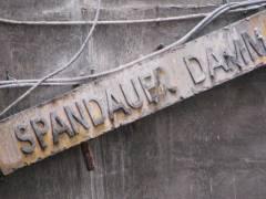 <span>Abriss und Neubau der Spandauer-Damm-Br&uuml;cke - Abriss des n&ouml;rdlichen Teils der Br&uuml;cke</span>