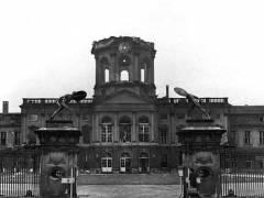 zerstörtes Schloß Charlottenburg 1943 - Bildquelle Bundesarchiv/Wikipedia