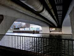 Unter der Caprivibrücke in Charlottenburg