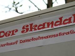 Skandal in der Danckelmannstraße 14 - Hausverkauf und Räumungsklagen