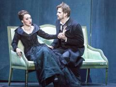 """""""Hoffmanns Erzählungen"""" an der Deutschen Oper - Cristina Pasaroiu als Giulietta mit Daniel Johansson als Hoffmann / Foto © Frank Wecker"""