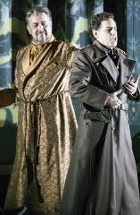 """""""Die Hugenotten"""" auf der Bühne der Deutschen Oper / Foto © Frank Wecker"""