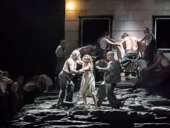 """""""Lady Macbeth von Mzensk"""" in der Deutschen Oper Berlin / Foto © Frank Wecker"""