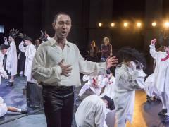 """Andrew Dickinson in """"Wolfsschlucht"""" an der Deutschen Oper / Foto © Frank Wecker"""