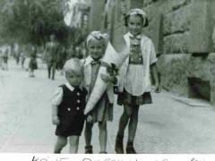 Einschulung der gebürtigen Charlottenburgerin Ute Becker im Juni 1948