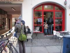 Das neue große Eiscafé in der Danckelmannstraße