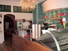 Eiscafé Fedora in der Nehringstraße 23
