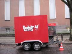 Filmaufnahmen in der Nehringstraße - Catering-Mobil