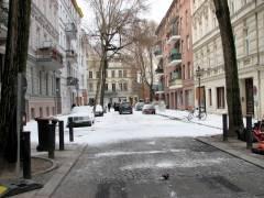 """""""Filmschnee-Stimmung"""" in der Neufertstraße"""