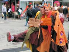 Free Hugs auf der Wilmersdorfer Straße ...