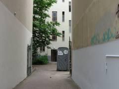 """(Nur) eine Mobiltoilette """"für den Bauherren"""" wegen Fassadenarbeiten !"""