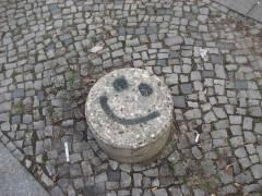 Wenn einen sogar die Steine anlachen (in der Neuen Christstraße)