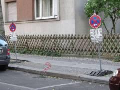 Versiffter Gully in der Neufertstraße