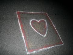 Eine gemalte Liebeserklärung auf der Straße