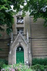 Das ehemalige Städtische Krankenhaus Charlottenburg, Gierkezeile 5-10