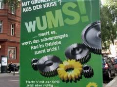 Wahlplakat in der Nehringstraße - wahr oder Satire?