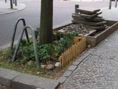 Blumen- und Steingärtchen (am Klausenerplatz)