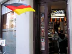 .... im und am kleinen Laden an der Neuferstraße / Ecke Nehringstraße