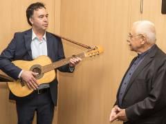 Hans-Georg Kohler und Carlos Hulsch (rechts) bei der Ausstellungseröffnung / Foto © Frank Wecker