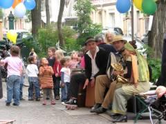 Eröffnungfeier des Brotgarten-Bistro - Musik und Luftballons und vieles zum Probieren