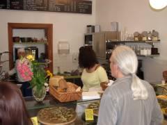 Ein Blick in das neue Brotgarten-Bistro - Verkaufsraum