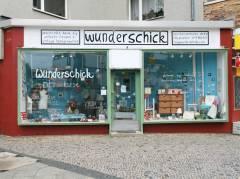 """""""Wunderschick"""" in der Knobelsdorffstraße/Ecke Sophie-Charlotten-Straße 52"""