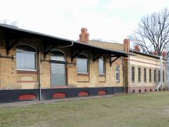 Reste des einstigen Güterbahnhofs Charlottenburg (2017) - Güterschuppen von 1892/93 mit Anbau von 1900