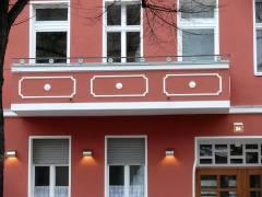 Hausfassade in der Sophie-Charlotten-Straße