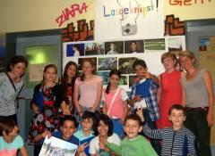 Kinder präsentieren ihre Fotoausstellung im Jugendclub / Foto Jugendclub Schloss 19