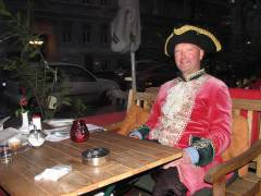 Mit dem Kammerrat im Kiezer Café Villon
