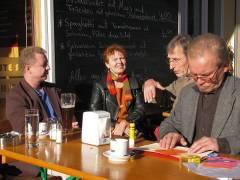 Treffen im Kiezer Straßen-Café