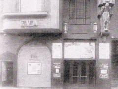 Der rechte Teil der Kinofassade im Jahr 1925