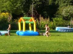 Planschen auf der Liegewiese -Sommer 2007