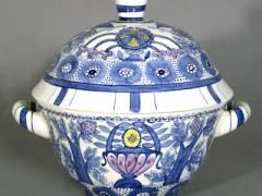 Charlotte Hartmann -Terrine, Velten, Anfang 20er Jahre / © Keramik-Museum Berlin