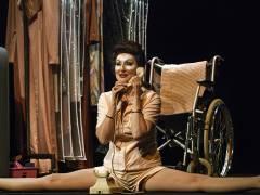 """Desiree Nick in """"Bette & Joan"""" im Theater am Kurfürstendamm / Foto © Frank Wecker"""