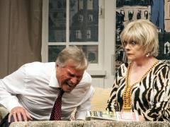 """Jochen Busse und Billie Zöckler in """"Der Pantoffel-Panther"""" in der Komödie am Kurfürstendamm / Foto © Frank Wecker"""